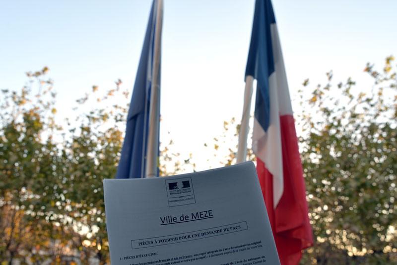 Le Pacs C Est A La Mairie Ville De Meze